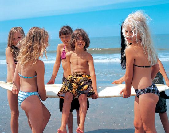 Dzieciaki na surfingu