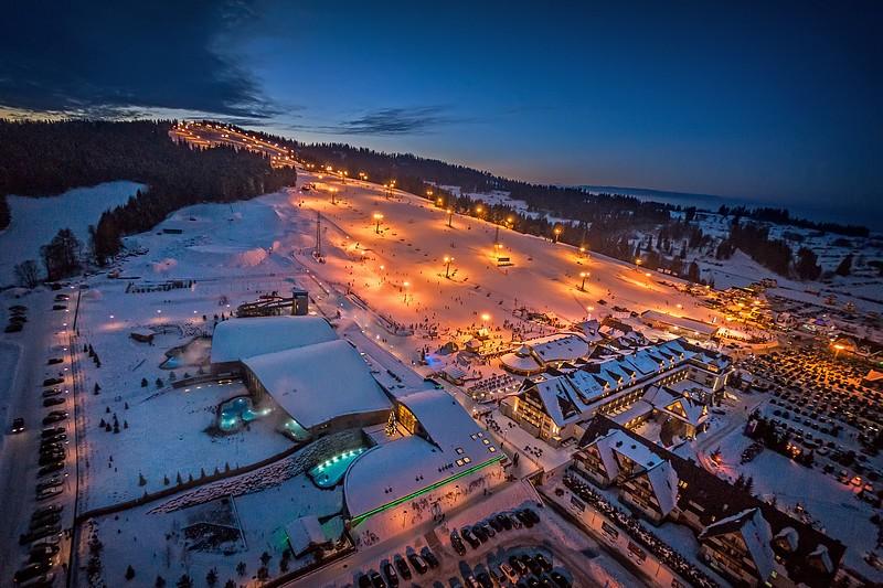 Nocna panorama Kotelnicy Białczańskiej - fot. Hotel Bania Thermal & Ski