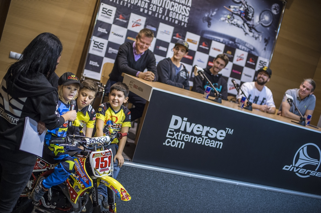Przed Diverse NIGHT of the JUMPs 2015