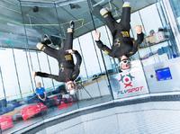 Loty w tunelu aerodynamicznym – jak ze spadochronem, tylko taniej!