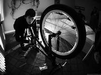 Zawodnicy BMX szykują się na Mind The Gap