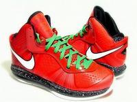 Nike LeBron 8 V2 na Święta