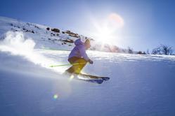 Kiedy korzystać z kijków narciarskich