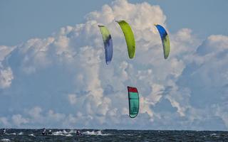 Ruszają zawody o Puchar Polski i Mistrzostwo Polski w kitesurfingu
