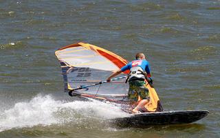 Windsurfingowy Puchar Świata w Slalomie – Polak z szansą na wysoką lokatę