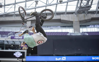 Dawid Godziek wygrał X Games w Sydney w konkurencji BMX Dirt